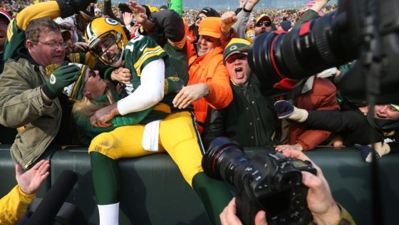 Aaron Rodgers told prospective Packers free agents he likely won't be on the team